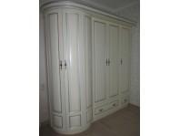 Шкаф-колонна Вальтера из массива дерева