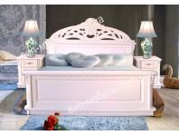 Белая кровать Сакура из массива дерева дуб